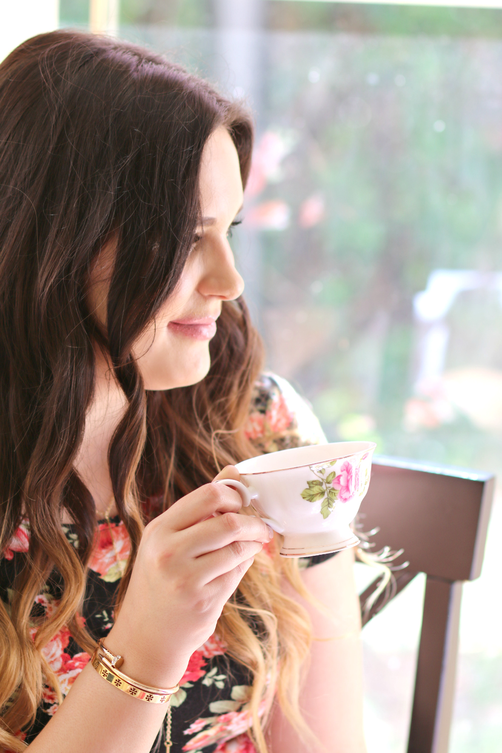 how to host an intimate afternoon tea party