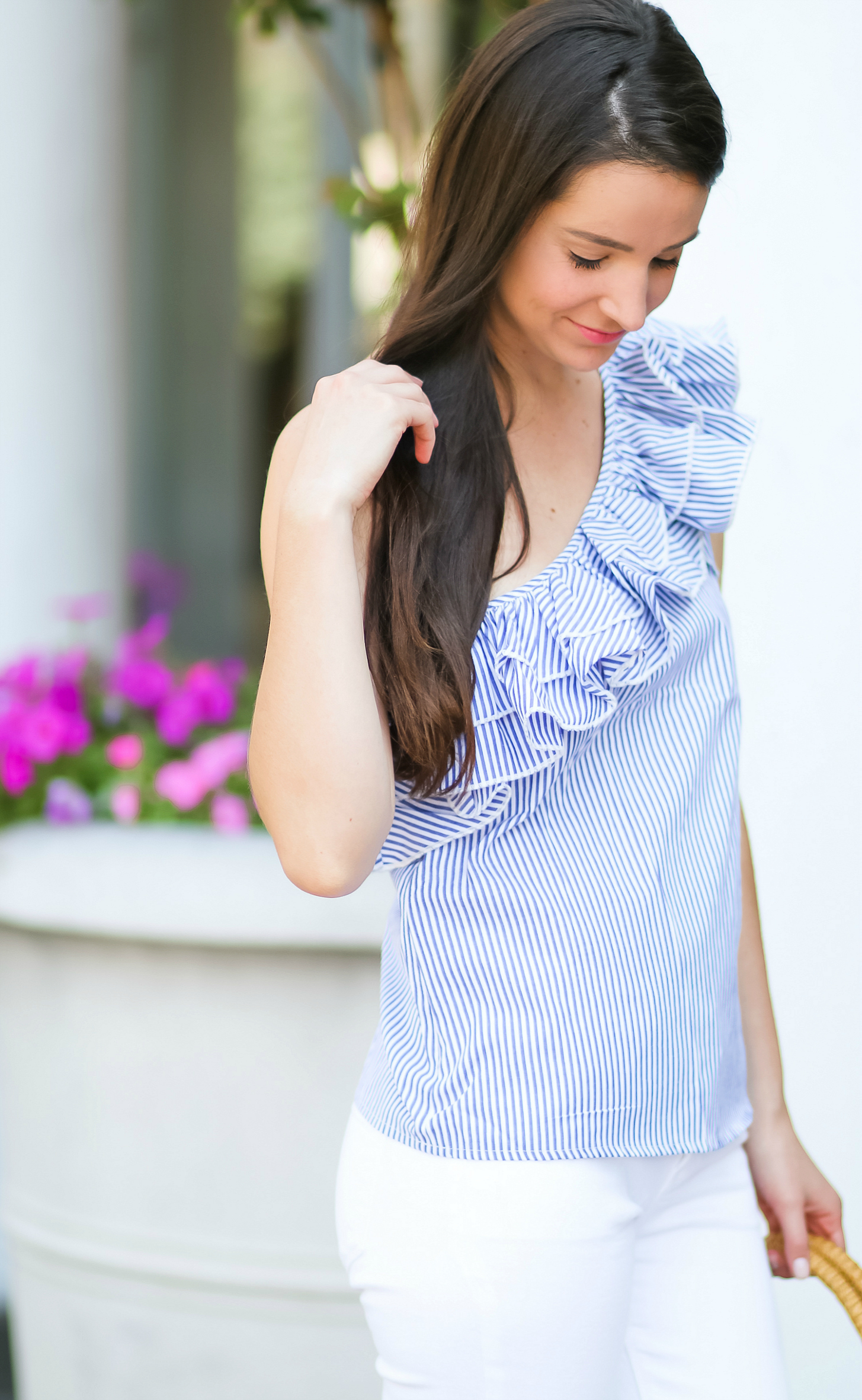 How to keep white clothes white for longer with CLOROX | Casual summer outfit (Shein one-shoulder stripped ruffle top and white jeans) by fashion blogger Stephanie Ziajka from Diary of a Debutante